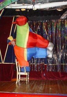 жонглер артисты цирка в Пушкино, акробат в мытищи, фокусники  на новый год,фокусники ивантеевка